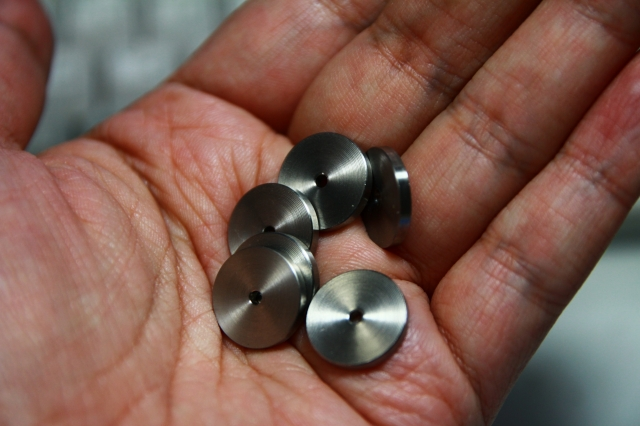 画像2: ステンレス製スペーサー 外径15・厚2・穴2 10枚入