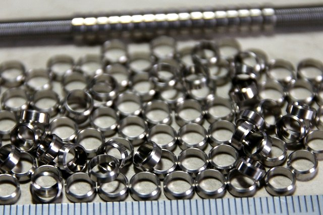 画像2: 面取パイプJ  薄型ステン 外径3-内径2.6-長1.3mm  20個入