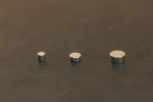 画像1: ネオジム磁石-丸型 直径3mmx厚2mm 3個入